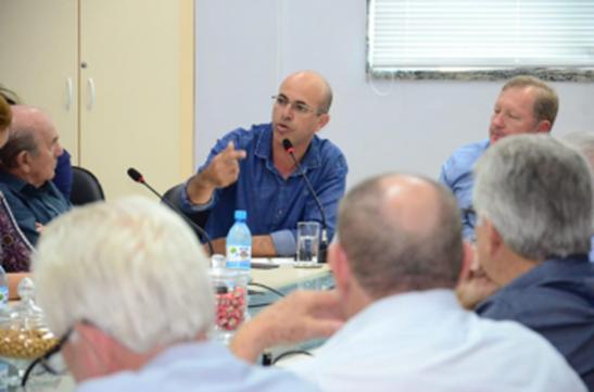 INDÚSTRIA – Ismael Crispin participa de reunião sobre o setor madeireiro na FIERO