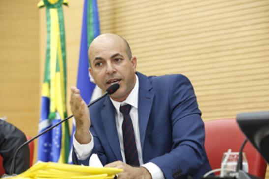 ASSISTÊNCIA – Ismael Crispin pede implantação do Tudo Aqui no município de São Miguel do Guaporé