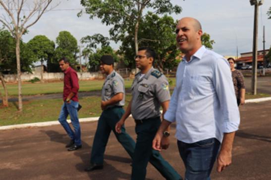Deputado Ismael Crispin visita o Batalhão da PM e o Corpo de Bombeiros em Cacoal