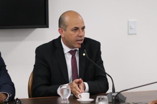 Ismael Crispin cobra do cidadão a materialização das denúncias contra a Energisa