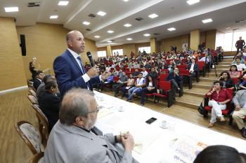 Ismael Crispin preside audiência pública para debater a pesquisa científica em Rondônia