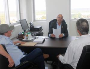 ASFALTO – Vereadores de São Felipe pedem de Crispin intercessão no DER para recuperação de estradas