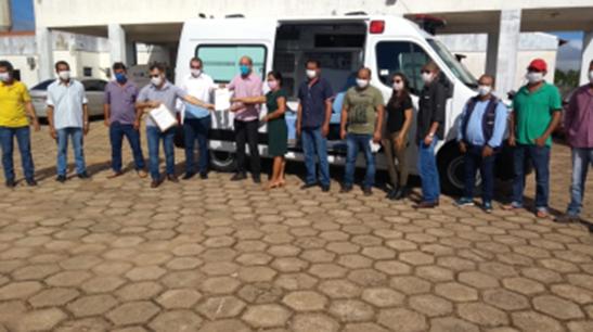 Por iniciativa do deputado Ismael Crispin, saúde de Novo Horizonte ganha reforço com aquisição de ambulância