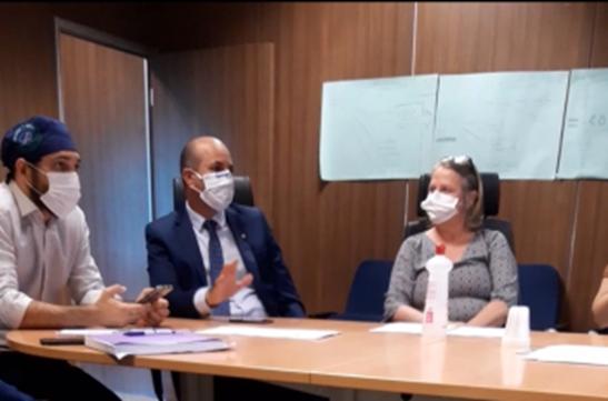 Ismael Crispin ajusta detalhes com a Sesau para entrega do hospital Municipal de Seringueiras