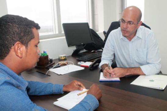 URES – Secretário-geral conclama à Crispin ônibus para estudantes de Cacoal