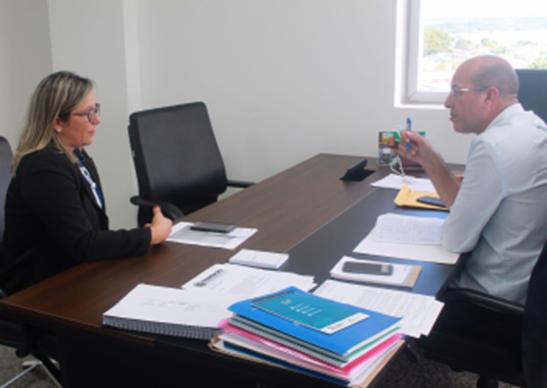 EDUCAÇÃO – Crispin com secretária da SEDUC elabora projeto legislativo para escolas da 429