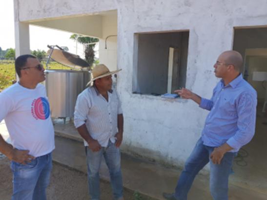 AGRO – Deputado Ismael Crispin visita agroindústria em São Francisco do Guaporé