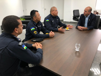 Deputado Ismael Crispin recebe equipe da Polícia Militar do Distrito de Calama