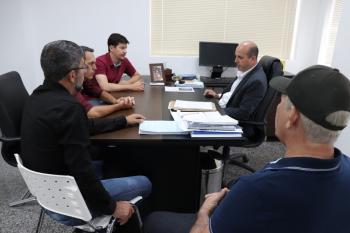 Ismael Crispin recebe recebe visita de vereadores de Pimenta Bueno