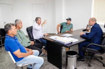 Ismael Crispin recebe visita de moradores da Gleba Rio Preto