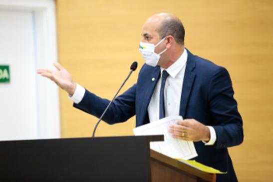 Ismael Crispin pede prorrogação de prazo para adequações em instituições religiosas