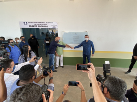 Ismael Crispin prestigia inauguração do hospital municipal de Seringueiras