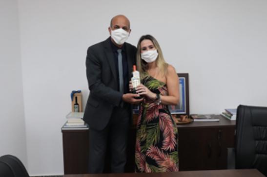 Deputado Ismael Crispin garante apoio a empreendedora de São Miguel do Guaporé