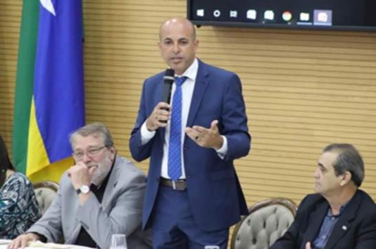 Ismael Crispin comemora implantação de delegacia especializada em crimes contra a vida em Cacoal