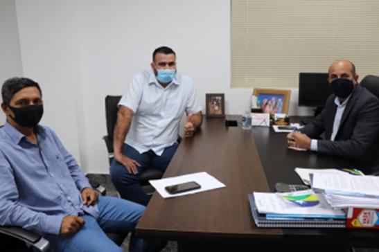 Ismael Crispin recebe prefeito de Costa Marques e busca melhorias na diretoria da Energisa