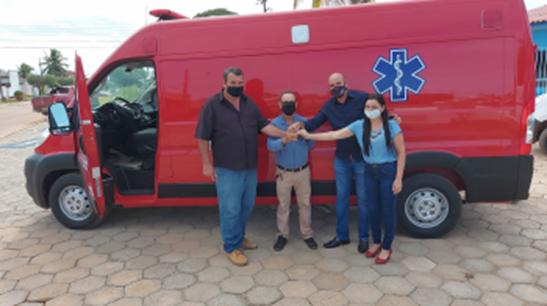 Ismael Crispin entrega ambulância em São Miguel do Guaporé e fecha exercício de 2020