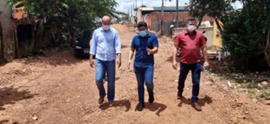 Em Cacoal, Ismael Crispin firma compromisso para garantir obras de infraestrutura no bairro Industrial