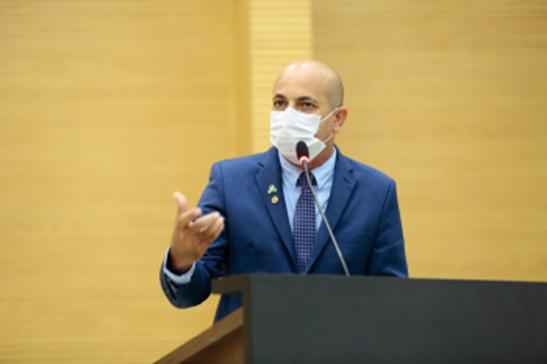 Ismael Crispin propõe auxílio alimentação para servidores da Emater