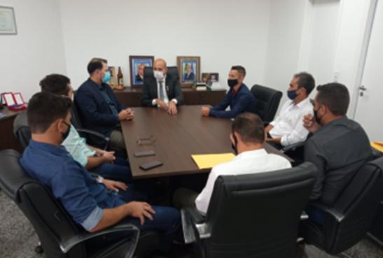 Ismael Crispin discute com vereadores de São Miguel do Guaporé e DER melhorias na RO-481