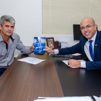 Deputado Ismael Crispin recebe a visita do vereador Braz Correia de São Francisco
