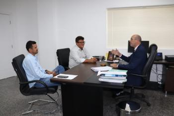 Recebendo os nobres colegas vereadores do município de Seringueiras