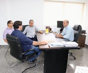 Vereadores de Cacoal pedem apoio ao deputado Ismael Crispin