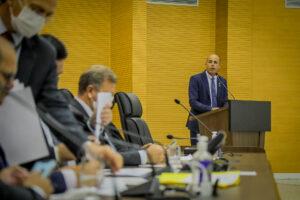 Ismael Crispin indica criação de cargos para psicólogos e assistentes sociais nas escolas
