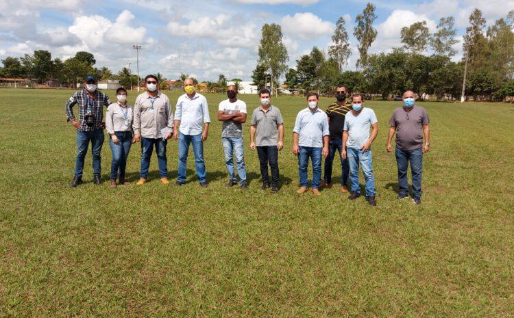 Seosp realiza vistoria para revitalização do estádio municipal Chupinzão, em São Miguel do Guaporé