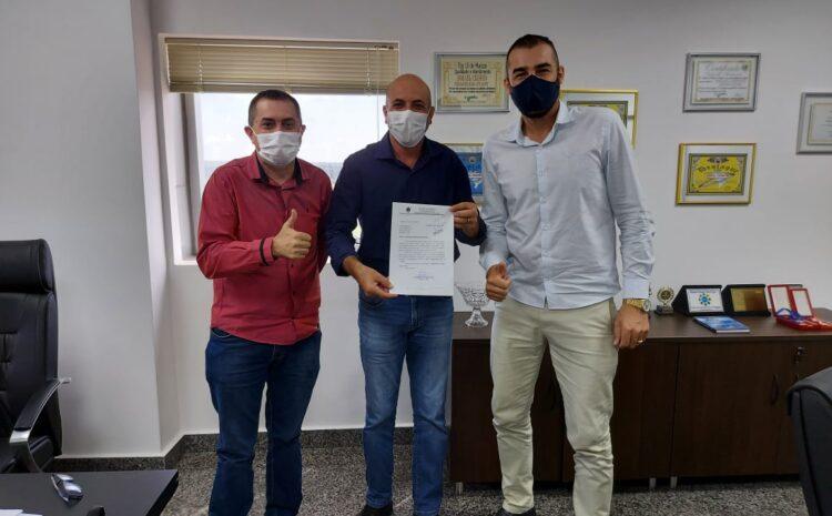 Ismael Crispin garante R$ 500 mil para recapeamento de ruas em Cerejeiras