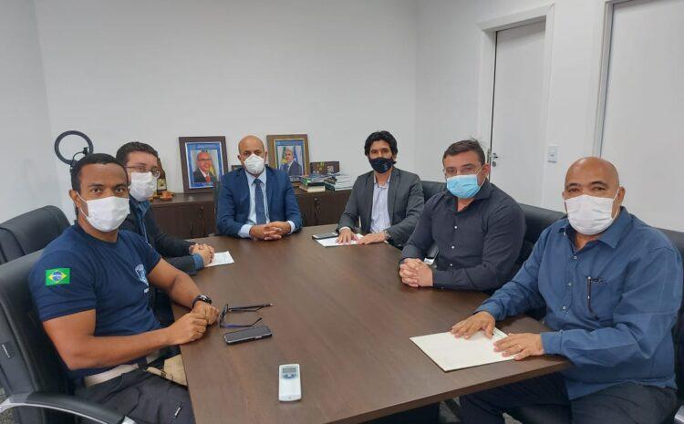 Ismael Crispin debate segurança pública com Sinpec e Sinpol