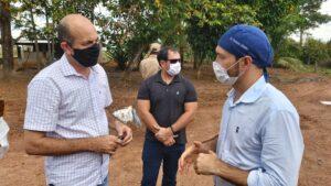 A pedido do deputado Ismael Crispin, secretário de saúde vai antecipar segunda dose em São Miguel do Guaporé e Costa Marques