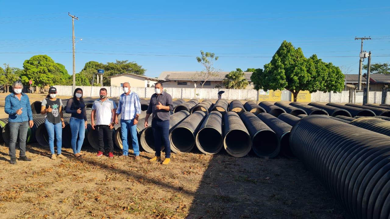 Ação do deputado Ismael Crispin garante substituição de 40 pontes de madeira por tubos Pead em Seringueiras