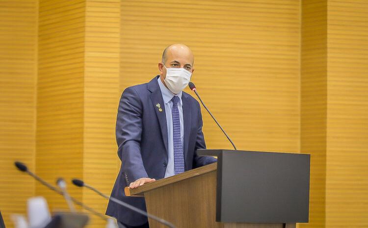 Deputado Ismael enaltece ação do governo para início das obras de pavimentação da estrada do calcário