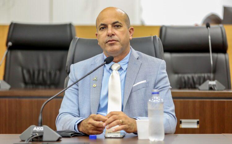 Deputado Ismael Crispin manifesta indignação com situação dos moradores do bairro Caladinho