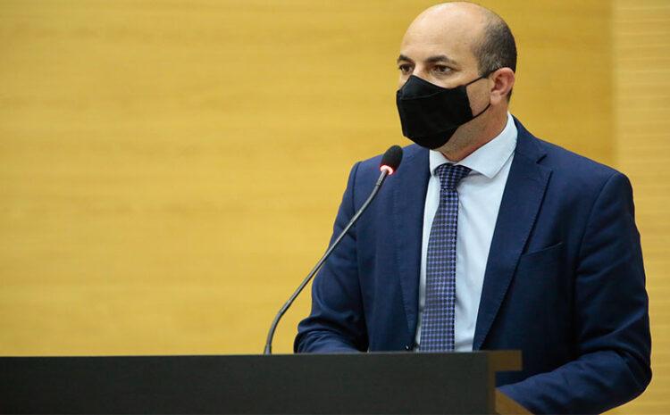 Ismael Crispin anuncia mais avanços no processo das obras da estrada do calcário