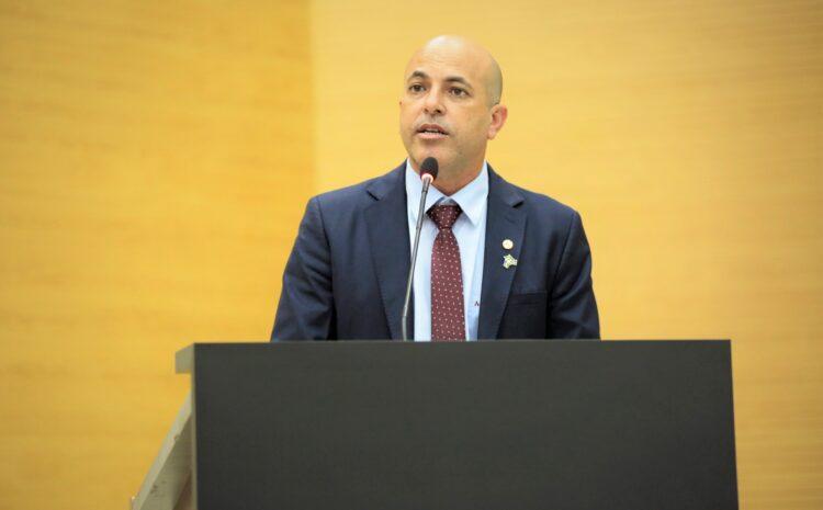 Ismael Crispin apresenta PL que obriga a tornar público os motivos das obras paradas