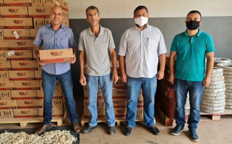 Ismael Crispin visita indústria e parabeniza empresário por geração de empregos e renda em Rolim de Moura