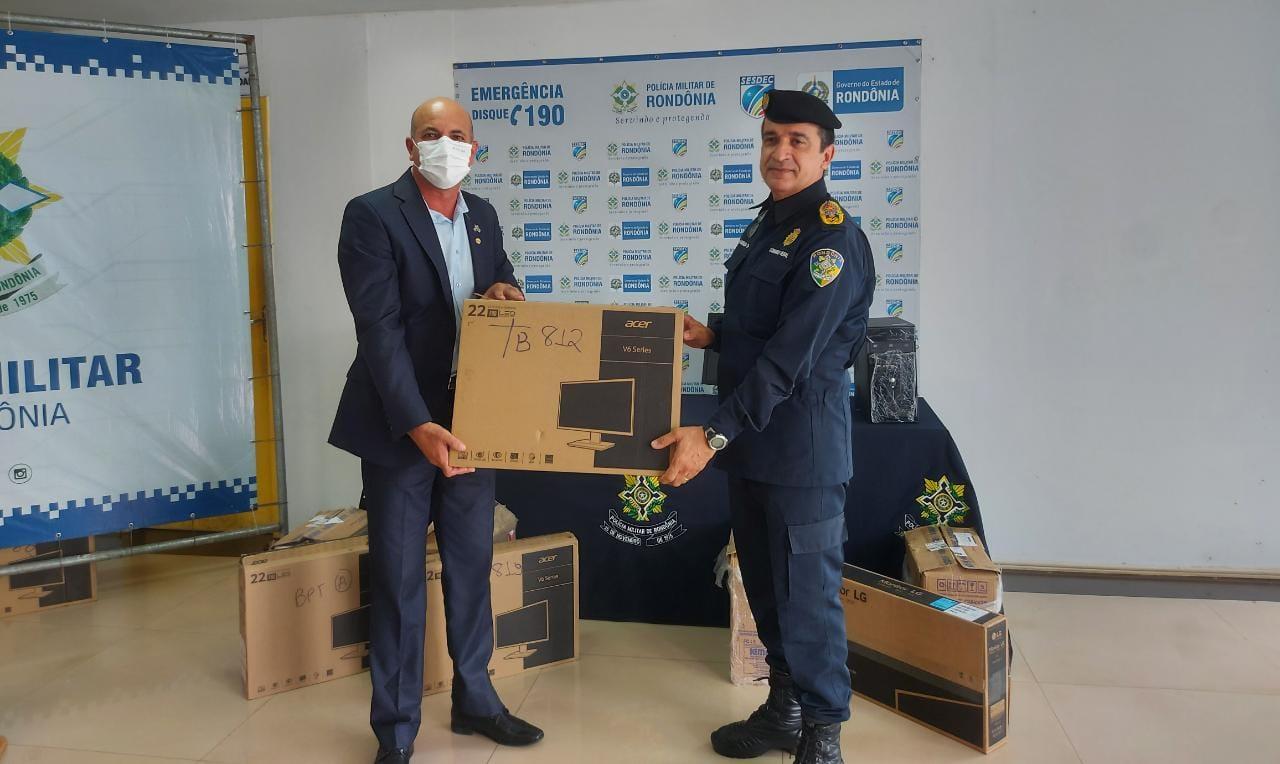 Ismael Crispin entrega 53 computadores para Polícia Militar de Rondônia